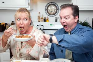 Daha fazla yağ yakmak için kahvaltıyı geciktirebilirsiniz