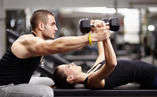 Resultado de imagen para personas entrenando en el gym